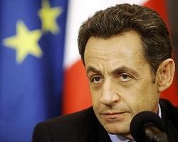 """Sarkozy: """"Biraz Onuru Olan Susar"""""""