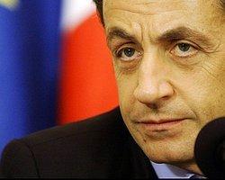 Sarkozy Yine Türkiye'yi Hedef Aldı