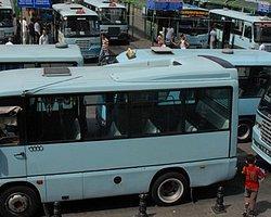 Minibüsçüler İstanbul'da Yol Kapattı