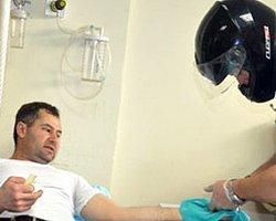 Sağlık Çalışanları Şiddeti Kask Takarak Protesto Etti