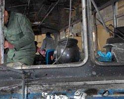 Suriye'de Yolcu Otobüsüne Bombalı Saldırı