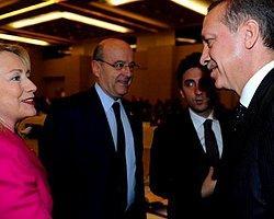 Davutoğlu ve Clinton İstanbul'da Bir Araya Geldi