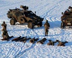 Peşmerge Yolları Kapattı Türk Askeri Bitirdi