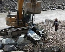 Nehirde Kaybolan Oğlunu 330 Gündür Arıyor