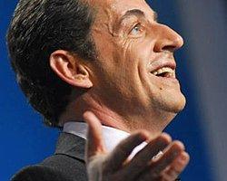 Sarkozy Amacına Ulaşıyor