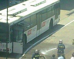 Havalimanında Yanan Otobüs Heyecan Yarattı