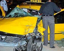 Ters yöne giren taksi dehşet saçtı