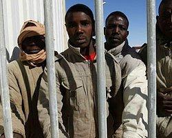 Kaddafi yanlısı 6 bin kişi esir tutuluyor