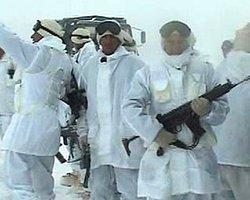 Jetler havalandı, Kani Reş kampı vuruldu