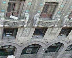 Karaköy'de 102 yıllık bina 25 milyon liraya satışta