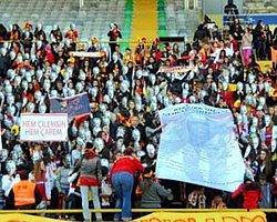 Göztepeli taraftarlardan büyük protesto