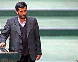 """Ahmedinejad: """"Savaşsız da Yok Ederiz"""""""