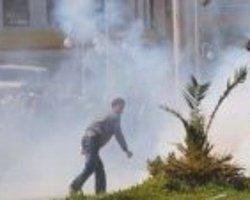 Mersin'de polise taşlı saldırı