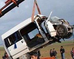 Ağrı'da Kaza: 5 Ölü 10 Yaralı