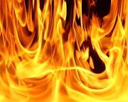 Kocaeli'de Kozmetik İmalathanesinde Yangın