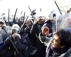 Polis artık 'demir cop' kullanacak - Polis Adliye- ntvmsnbc.