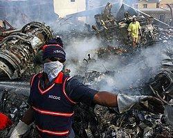 Yolcu uçağı binaya çarptı: 153 ölü