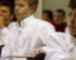 Öğrencilere Okulda 'Eşcinsellik Testi'