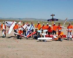 Gölbaşı'nda Model Uçaklar Gösteri Yaptı