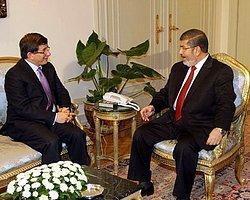 Mısır Cumhurbaşkanı Mursi Davutoğlu'nu Kabul Etti