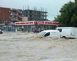 Rusya'da Sel: 78 Kişi Öldü
