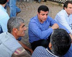 Diyarbakır Mitinginde Vekiller Oturma Eylemi Başlattı