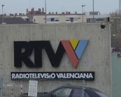 Televizyon çalışanları canlı yayında eylem yaptı