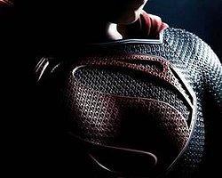 Superman'den ilk afiş yayınlandı