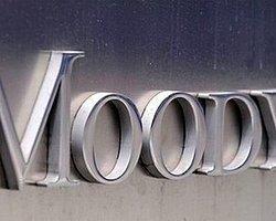 İtalyan Bankalarına Moody's Darbesi