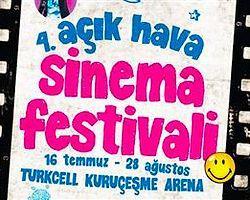 Boğaz kıyısında açık hava film festivali başladı