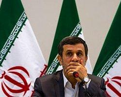 Ahmedinejad: Zor Bir Savaşla Karşı Karşıyayız
