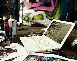 Lenovo'nun Yeni SleekBook'u Satışa Çıktı