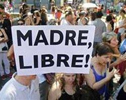 Kürtaj protestosunun adresi bu kez İspanya oldu