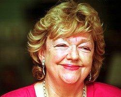BBC Turkce - Haberler - İrlandalı yazar Maeve Binchy hayatını kaybetti