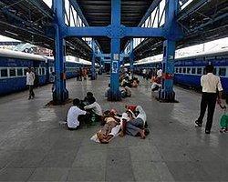 Hindistan'da 670 Milyon Kişi Karanlık Altında