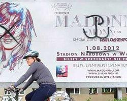 Polonya'da Madonna'ya Boykot Kampanyası
