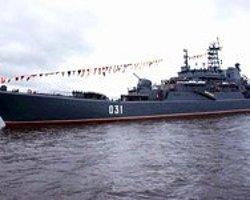 Rus Savaş Gemileri Suriye'ye Demir Atıyor