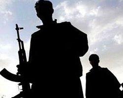 PKK'lılar Diyarbakır'da yol kesip korucu yaraladı