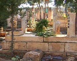 Ölüm şekilleri mezar taşına resmediliyor