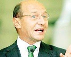Basescu tam dört ay sonra göreve döndü