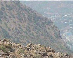 PKK Şemdinli'de 1 Dakikalığına Bez Parçası Salladı