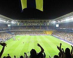 Fenerbahçe Taraftarı Görevini Yapıyor