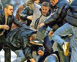 Holiganlar Türklere Saldırdı: 4 Yaralı