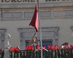 Bakan Günay İzmir'de Yuhalandı