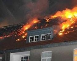 Köln'de Korkutan Yangın