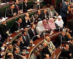 Mahkeme Feshetti Mısır Meclissiz Kaldı