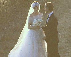 Anne Hathaway'in Gelinliği Valentino