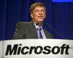 Microsoft'un Önemli İsmi Windows 8'Den Memnun