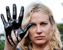 Oyuncu Daryl Hannah Tutuklandı