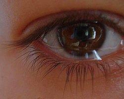 Yaşlanmanın İlk İzlerini Gözler Yansıtıyor
